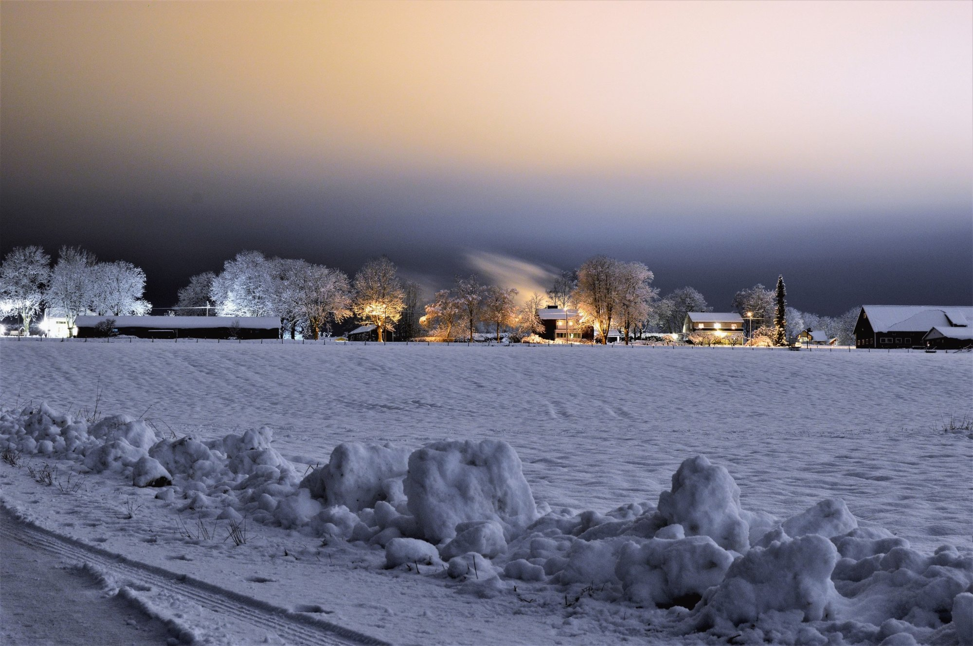 cold-evening-frost-751606202.jpg