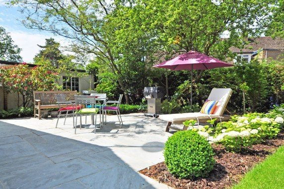 backyard-bench-daylight-210531_small.jpg